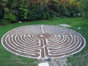 http://www.ssjd.ca/labyrinth.html